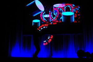 Licht Jongleur Lightpainting Show bei Leinup Künstleragentur 4