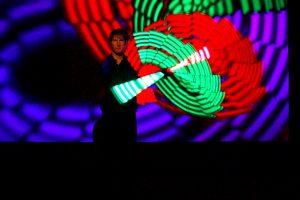 Licht Jongleur Lightpainting Show bei Leinup Künstleragentur 5