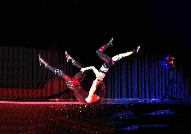 akrobatik comedy show agentur bilder web 2024