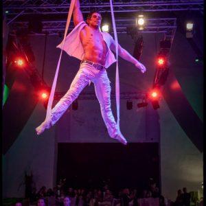 luftakrobat seilakrobat akrobatik show bei leinup künstleragentur