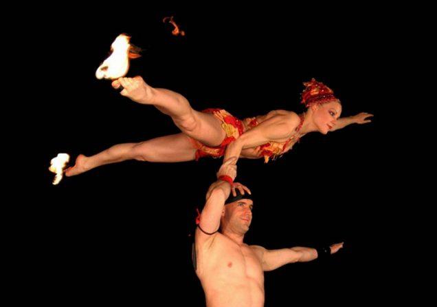 Bodenakrobatik Duo feuer Leinup Agentur Muenchen bilder web