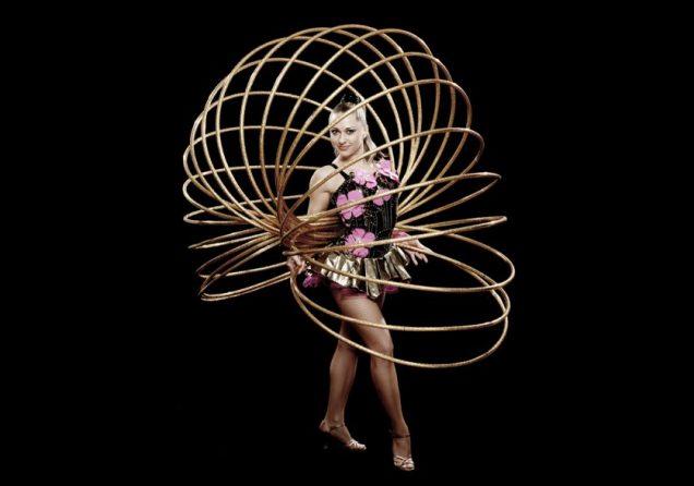 Hoops hula -breit-web