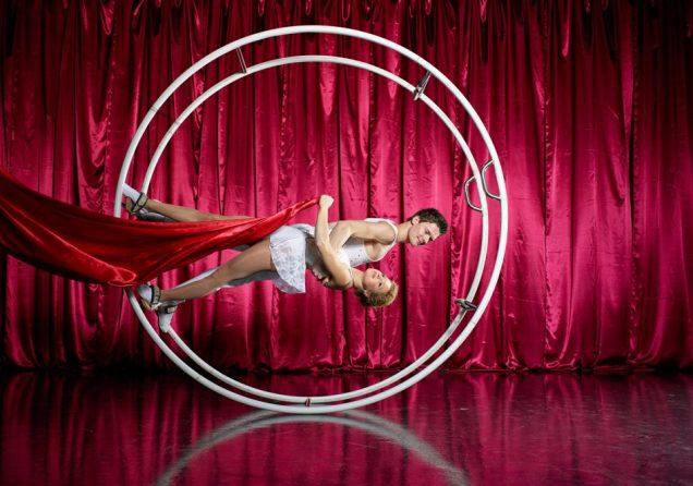 Acrobatic Shows Duo Leinup Agentur Bilder 01
