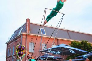 Acrobatic Shows Duo Leinup Agentur Bilder