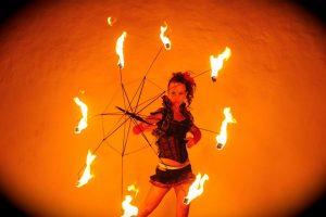Feuer Jonglage Show Bilder 12