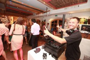 Hochzeits DJ und Moderator-05